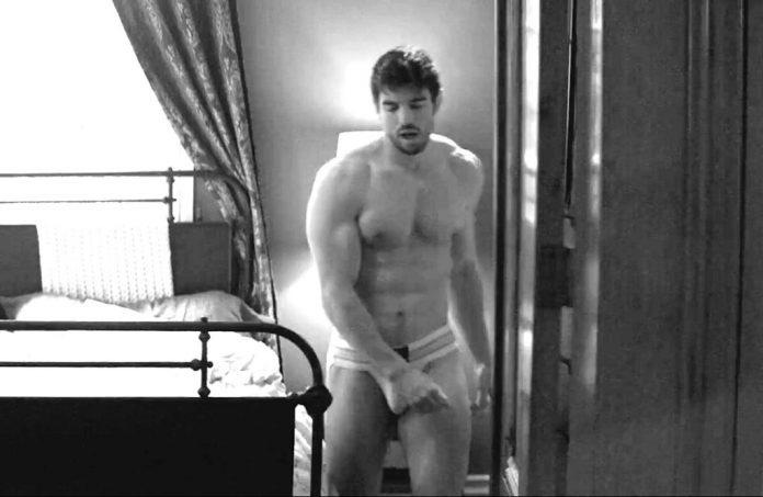 Steve Grand gay
