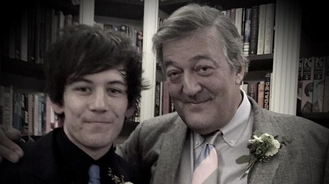 Gay Actor Stephen Fry's Myth-Busting Public vs Private Healthcare